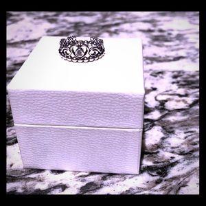 Authentic Pandora Princess Ring 👸🏽💍